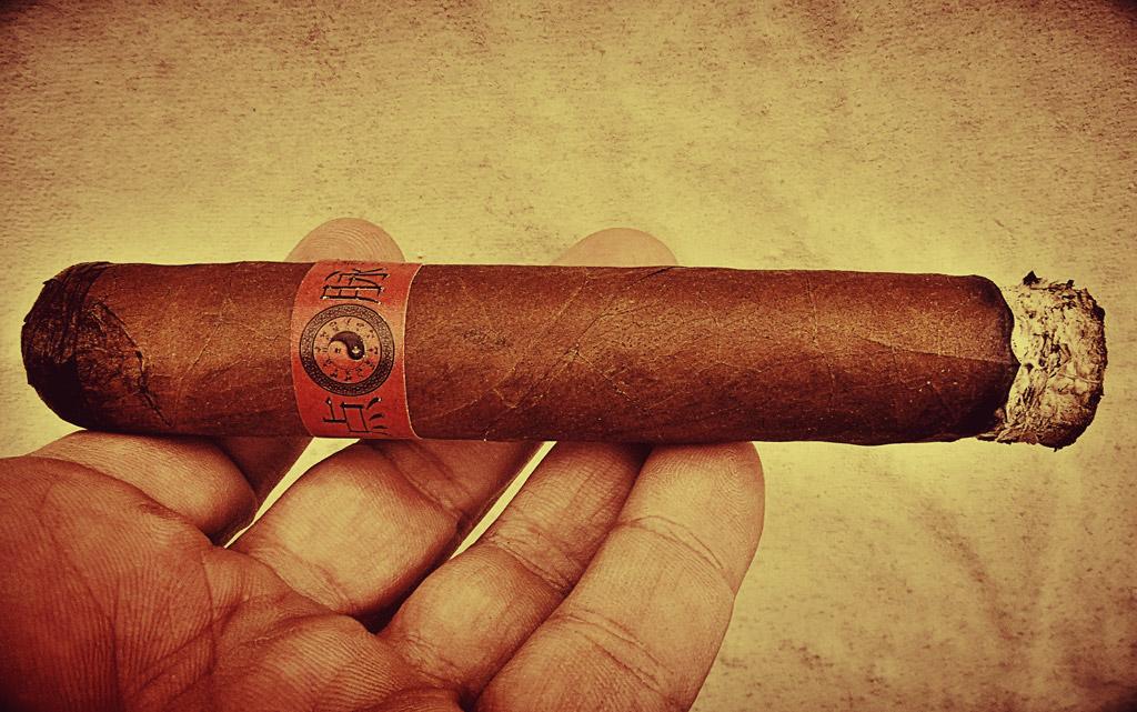 MoyaRuiz Dim Mak cigar review by Cigar-Coop