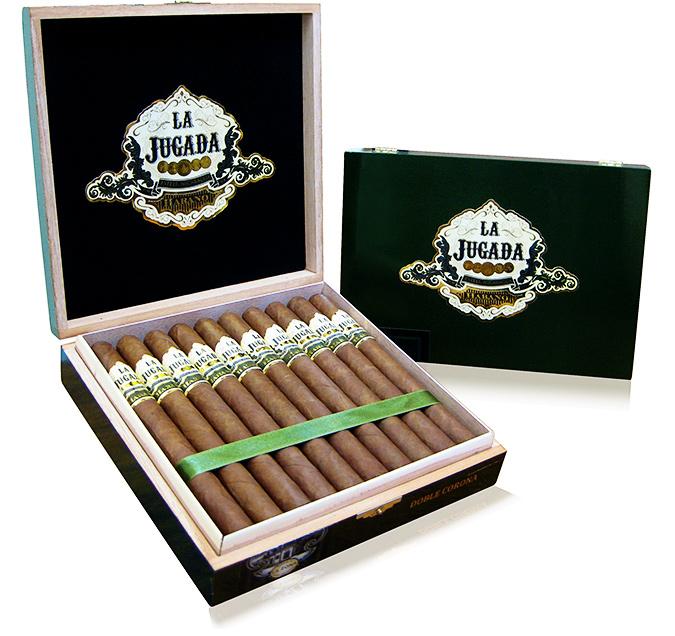 La Jugada Habano cigar box open
